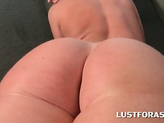 Curvy redhead in big tits flashing her sexy big ass and cunt