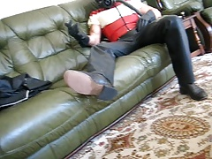 RUBBER HOUSEWIFE WANKS OWNER OFF