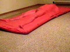 Vacuum mattress fun of my latex fetish fan friend