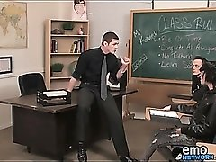Teacher blows sexy emo boy in classroom