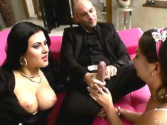 Raunchy bitch Billie Star fucks dirty in provocative threesome