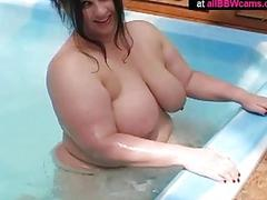 BBW princes chubby ass does what she loves