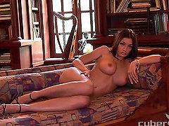 Brunette babe Jo Garcia shows off her astonishing body