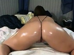 Cam Slut With An Oiled Up Ass