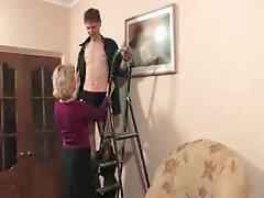 Mature woman fucked by the repairman