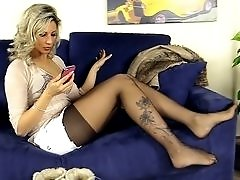 Slutty Blonde Bombshell Shows Off her Feet