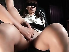 Japanese secretary in pantyhose is tied up